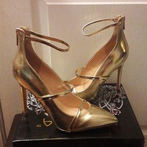 👠NIB👠 Liliana gold pumps